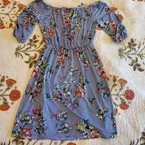 summery stretchy, off-shoulder dress EUC Size L